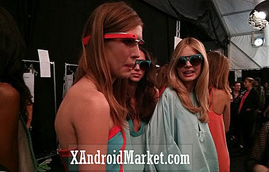 Geeks møder modeller: Google Glass stjerner i New York Fashion Week